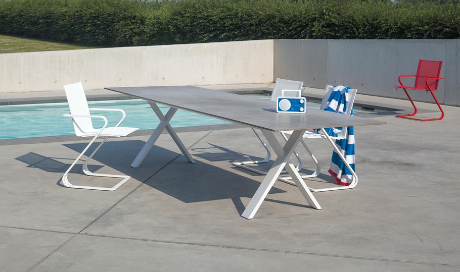 Cross-table-met-Xeramica®-13