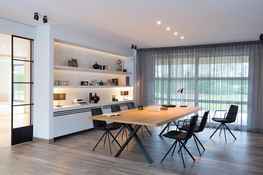 Forest-Oak-Indoor